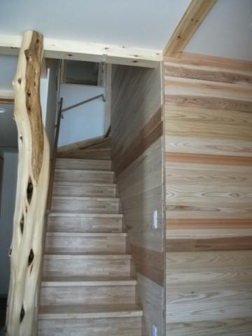 杉無垢板に包まれた「ホッ」とする家 逆瀬川S様邸 2|逆瀬川はうじんぐ施工事例