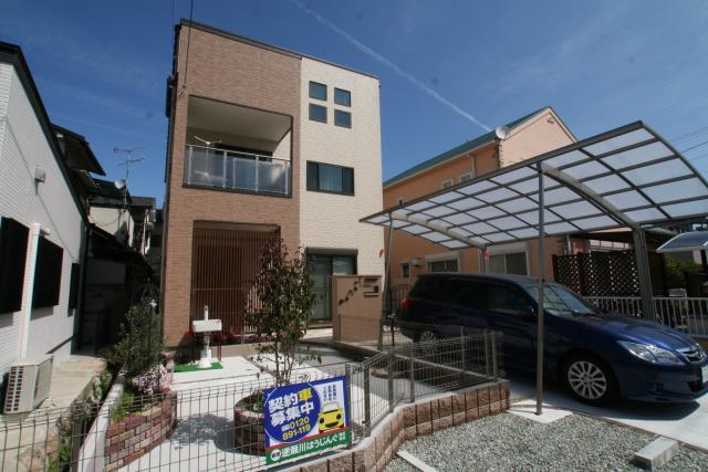 かわいいアンティークな家 1|宝塚市の逆瀬川はうじんぐ施工事例