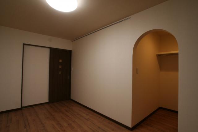 かわいいアンティークな家 8|宝塚市の逆瀬川はうじんぐ施工事例