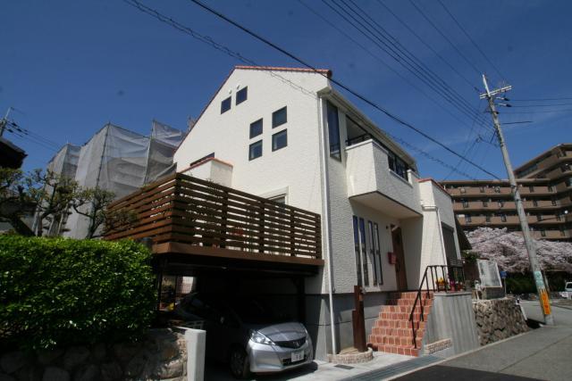 フレンチックなかわいいお家 1|宝塚市の逆瀬川はうじんぐ施工事例